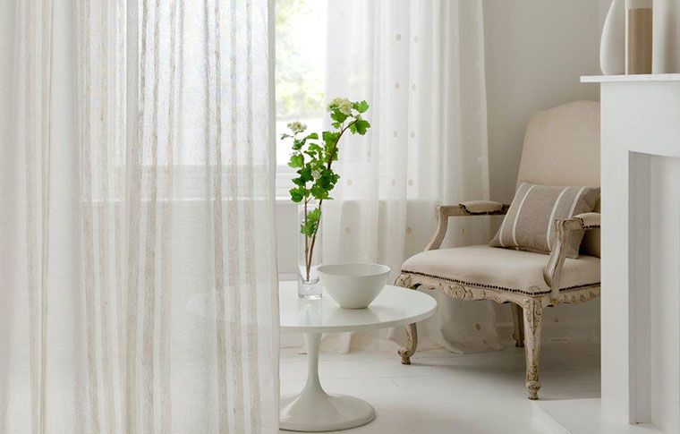 sheer_curtain_home